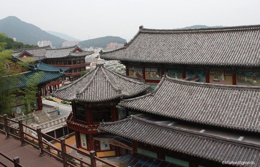 budan_buddhist_temple_roof