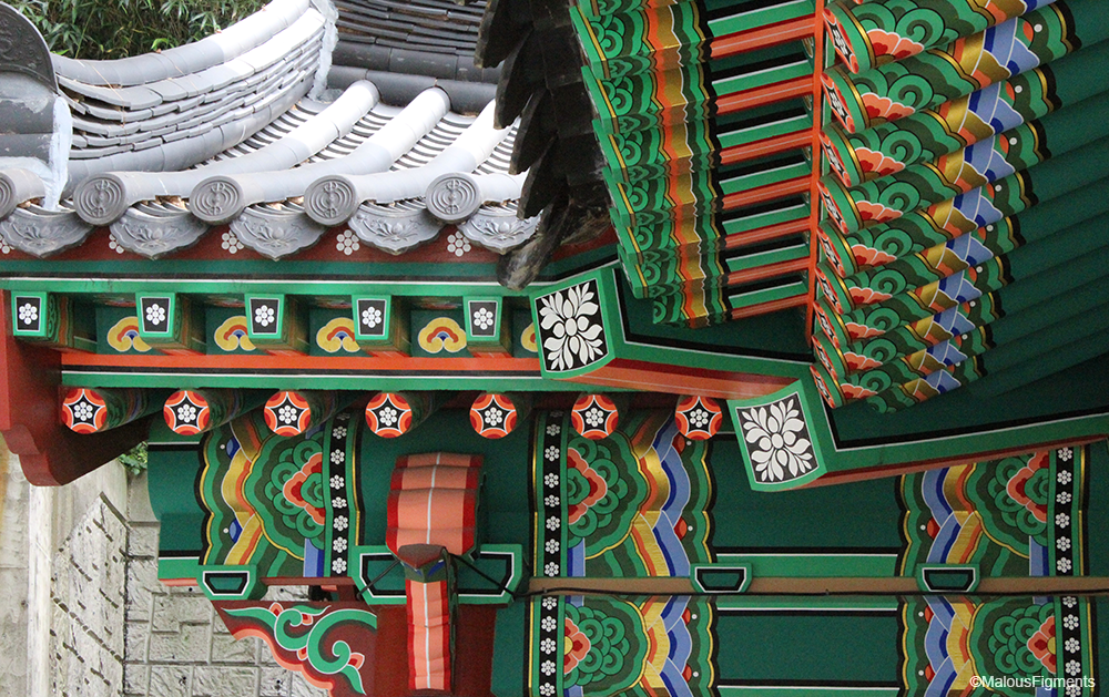 busan_buddhist_temple_roof