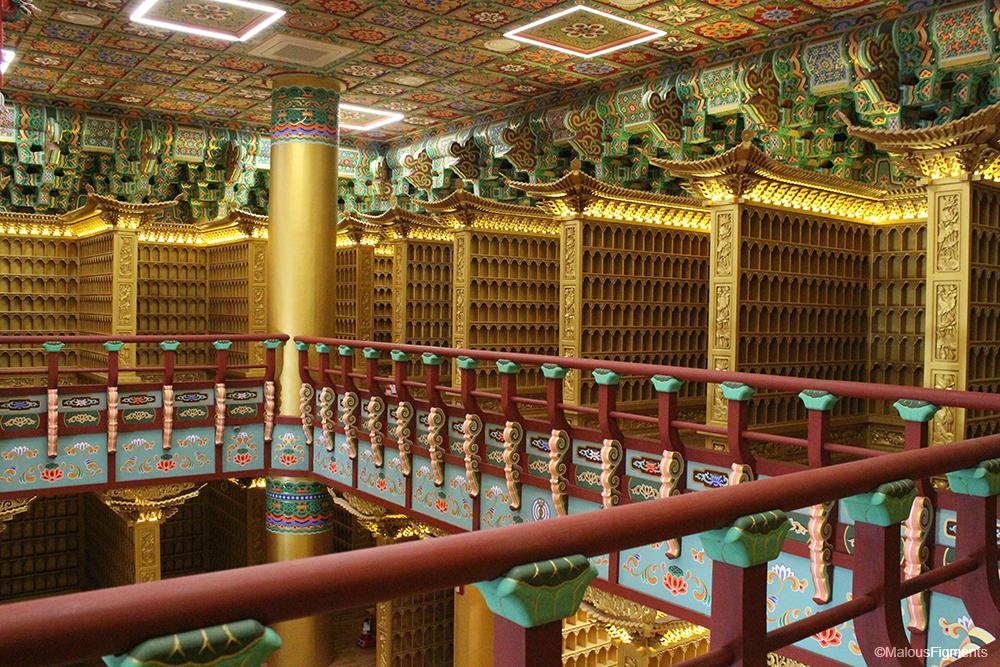 busan_empty_buddhist_temple_new