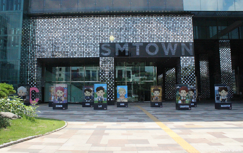 10_exo_papertoy_outside